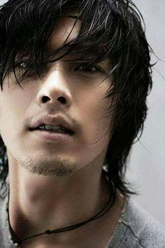 Beleza do homem oriental