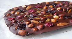 Szybkie gotowanie: Domowa czekolada z bakaliami