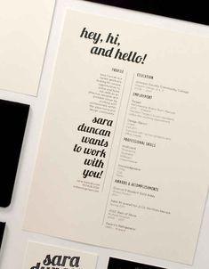 Le CV minimaliste en noir et blanc :