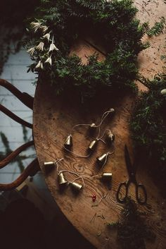 Babes in Boyland - natural Christmas decorations Natural Christmas, Christmas Mood, Noel Christmas, Scandinavian Christmas, Country Christmas, Christmas Wreaths, Christmas Decorations, Holiday Decor, Winter Wreaths