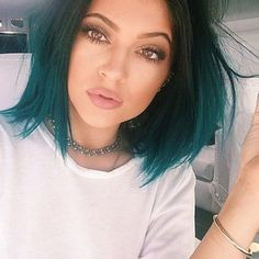 cheveux turquoise