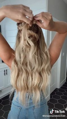 Work Hairstyles, Easy Hairstyles For Long Hair, Hairstyles For Concerts, Long Blonde Hairstyles, Dinner Hairstyles, Casual Updos For Long Hair, Hairdo For Long Hair, Homecoming Hairstyles, Everyday Hairstyles