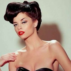 Vintage Meets Modern: A Classic Lifestyle New Look Ideas Rockabilly Makeup, 50s Makeup, Pin Up Makeup, Vintage Makeup, Makeup Geek, Makeup Looks, Square Face Hairstyles, 50s Hairstyles, Classic Hairstyles