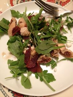 after a pin recipe fail, throw together this delish Arugula salad with goat cheese, figs and a maple balsamic vinagrette.