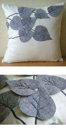 Applique Cushions, Sewing Pillows, Diy Pillows, Decorative Throw Pillows, Diy Home Crafts, Felt Crafts, Fabric Crafts, Sewing Crafts, Sewing Projects