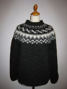 "Handmade Icelandic wool sweater or ""Lopapeysa"" as we call it, knitted in Iceland. by KnittingDidi on Etsy Fair Isle Knitting Patterns, Crochet Patterns, Sweater Patterns, Icelandic Sweaters, Wool Sweaters, Norwegian Knitting, Sweater Making, Knitting Projects, Knit Crochet"
