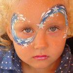 Kinderschminken als Sternenfee von den Facepainters beim Sommerfest des Elternvereins krebskranker Kinder in Engerhafe