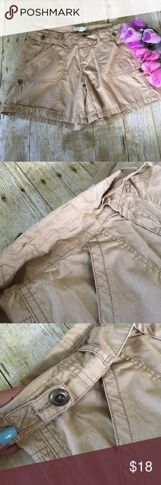 Fold over Aeropostale Khaki Shorts 3 / 4 Great condition! Unique Aeropostale Fold Over Khaki Shorts! Waist folds down and shorts can be word longer or folded and secured with a button for a shorter style! I LOVE these shorts!! Size 3 / 4 Aeropostale Shorts