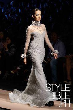 EZRA SANTOS Philippine Fashion Week HOLIDAY 2012