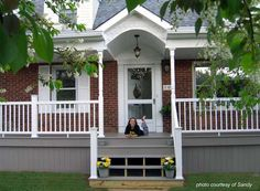 Masterful reversed porch design architecture Visit Our Office House Wrap Around Porch, House Front Porch, Front Porch Design, Porch Designs, Front Porches, Front Porch Plants, Front Yard Patio, Brick Porch, Porch Roof