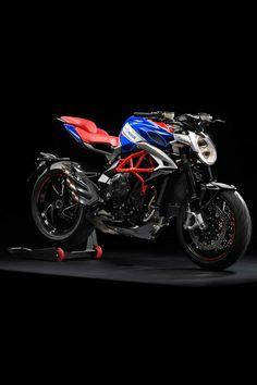 Moto Enduro, Moto Bike, Honda Cb750, Ducati, Cafe Racer Honda, Cafe Racer Bikes, Mv Agusta Dragster, Le Mans, Duke Bike