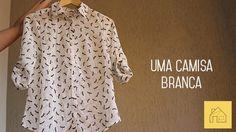 2 peças de roupa: Uma camiseta cinza básica + uma camisa branca e 14 composições diferentes. Esse é o projeto Reinvente suas Roupas e Economize contra o consumo desenfreado, em prol de uma vida mais criativa. Conheça mais!