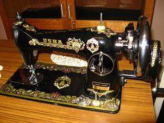 Vintage Sewing Machine   @gramarye