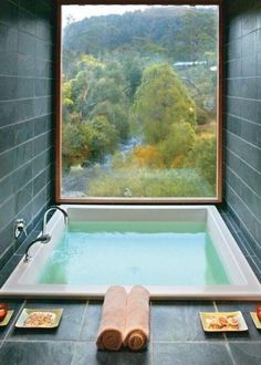 """Bathtub with a view at an Australian mountain lodge Post with 106 views. Bathtub with a view at an Australian mountain lodge """"pinner"""": {""""username"""": """"ajtowle"""", """"first_name"""": """"Andrew"""", """"domain_url"""": null, """"is_default_image"""": true, """"image_medium_url"""":. Future House, My House, House Bath, House Inside, Douche Design, Hotel Decor, Interior Exterior, Interior Design, Interior Ideas"""