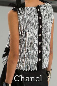 Chanel at Paris Fashion Week Spring 2016 - Chanel Clothes - Trending Chanel Clothes - Chanel Spring 2016 Fashion Week, Paris Fashion, Runway Fashion, High Fashion, Womens Fashion, Trendy Fashion, Coco Chanel Fashion, Spring Fashion, Fashion Tips