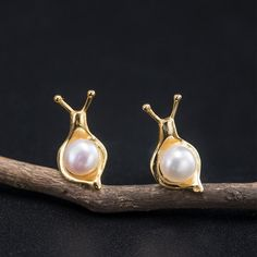 Item Code:4789206974526 Material: Silver,Pearl Pattern: Snail Style: Daily,Party,Wedding,Commemorative Gift Snail Art, Luxury Watch Brands, Alex And Ani Bracelets, Pearl Earrings, Drop Earrings, Silver Pearls, Diamond Are A Girls Best Friend, Jewelry Box, Fashion Accessories