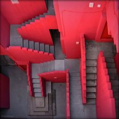 La Muralla Roja, Spain by architect Ricardo Bofill Magazine Design Inspiration, Style Inspiration, Design Magazine, Home Interior, Interior Design, Ricardo Bofill, Red Walls, Stairway To Heaven, Stair Railing