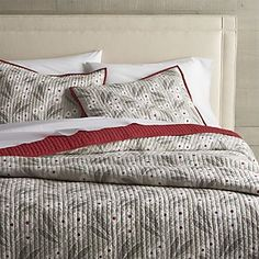 Winterberry Quilts and Pillow Shams