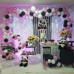 Panda Themed Party, Panda Birthday Party, Panda Party, Bear Party, Baby Birthday, Birthday Parties, Panda Decorations, Balloon Decorations, Birthday Party Decorations