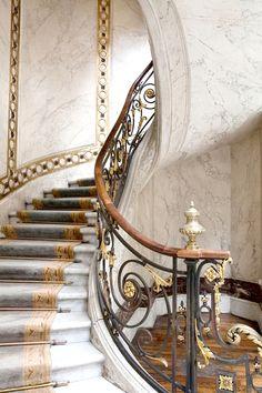 Jacquemart-André Museum, 158 boulevard Haussmann, Paris VIII - Home Decoratings Grand Staircase, Staircase Design, Marble Staircase, Winding Staircase, Spiral Staircases, Architecture Details, Interior Architecture, Interior Design, Haussmann