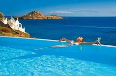 A newly renovated boutique luxury Beach Hotel in Mykonos, the Petasos Beach Luxury Hotel & Spa 5 star luxury Resort is ideal for your summer holidays. Mykonos Hotels, Beach Hotels, Beach Resorts, Mykonos Island, Mykonos Greece, Great Places, Places To See, Beautiful Places, Amazing Places