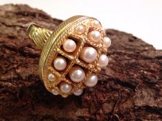 Large Cocktail Ring Faux Pearl Gold Tone by HeyThatsAwesome #gotvintage #vintagejewelry #etsygifts #heythatsawesome