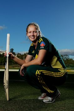 10 Most Beautiful Women Cricketers in the World - Famous World Stars Cricket Wallpapers, 10 Most Beautiful Women, World Star, People Of The World, Athletic Women, Latest Pics, All Star, Women Athletes, Female