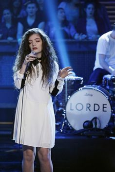 Another Reason 'Catching Fire' Is Going to Be Epic? Lorde's 80s-tastic Cover Track