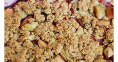 Sezonowe owoce zapieczone pod pyszną i zdrową owsianą kruszonką. Doskonały deser…