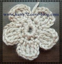 Crochet Wool, Form Crochet, Crochet Patterns, Tutorial Crochet, Flower Tutorial, Christmas Crochet Blanket, Blanket Crochet, Book Markers, Knitting Yarn