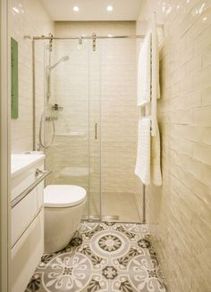 Narrow bathroom with cream tiles - Narrow Bathroom, Bathroom Windows, Downstairs Bathroom, Laundry In Bathroom, Bathroom Renos, Bathroom Layout, Bathroom Renovations, Master Bathroom, Bathroom Ideas