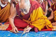Buddha Buddhism, Tibetan Buddhism, Man Of Peace, 14th Dalai Lama, Om Mani Padme Hum, Extraordinary People, Life Philosophy, Dali, Spirituality