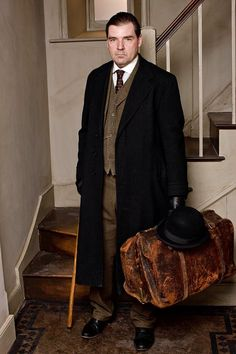 downton abbey | Downton Abbey' Season 3: The Future of Mr. Bates and the Lifestyle ...