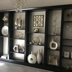 Living Room Decor Cozy, Living Room Tv, Decorating Bookshelves, Home Interior Design, Living Room Designs, Decoration, Candice Olson, Home Decor, Bedroom
