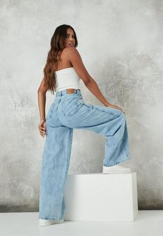 Light Blue Jeans Outfit, Outfits Blue Jeans, Denim Outfit, Spring Fashion Outfits, Fashion Pants, Look Fashion, Winter Outfits, Women's Fashion, Ripped Skinny Jeans