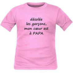 T-shirt enfant humour : mon PAPA est plus fort que le tien Sweat Shirt, T Shirt Fun, Tee Shirts, Personne N'est Parfait, T Shirt Citations, T-shirt Humour, Boutique, T Shirts For Women, Mens Tops