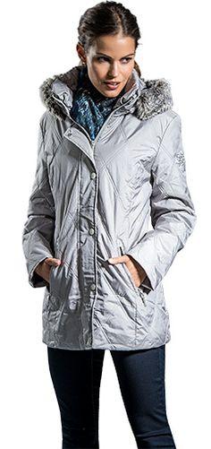 """Damen Steppmantel in silber von Marke """"Lisa Tossa"""". #awgmode #awg #mantel #silber #steppmantel #kapuze #winter #lisatossa"""