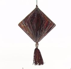 http://de.dawanda.com/shop/sonnenlicht Lampion in Bordeaux aus Katalogseiten