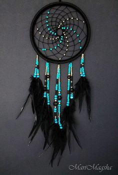 Stunning Dream Catcher Ideas to get only Pleasant Dreams Dream Catchers are Widely Used as Home Decor.Here are Some Handpicked Dream Catcher Ideas to Protect You from Bad Dreams,Nightmares,Negativity Los Dreamcatchers, Dream Catcher Craft, Making Dream Catchers, Blue Dream Catcher, Dream Catcher Bedroom, Dream Catcher Patterns, Dream Catcher Mobile, Beautiful Dream Catchers, Diy And Crafts