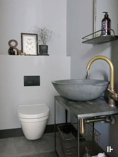 Rustic single family home. Bathroom Spa, Laundry In Bathroom, Modern Barn House, Compact Living, Big Houses, Scandinavian Interior, Bathroom Inspiration, Cool Furniture, Villa