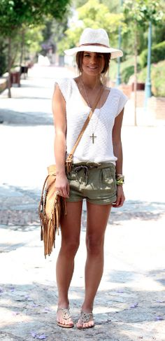 We love cargo paired with a simple white tee and panama hat for a casual safari look. Summer Hats, Summer Wear, Spring Summer Fashion, Style Summer, Fashion Moda, Look Fashion, Womens Fashion, Fashion Outfits, Mode Style