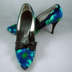 1950s 1960s velvet shoes by Tempos 8M by TiddleywinkVintage, $45.00