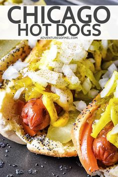 How to cook a delicious Chicago hot dog, char dog style. Grilled beef hot dogs recipe with all the best toppings and poppy seed buns. Perfect for a crowd! Hot Dog Recipes, Beef Recipes, Cooking Recipes, Camping Party Foods, Camping Meals, Chicago Hot Dog, Beef Hot Dogs, Sandwiches, Grilled Beef