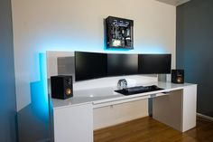 Owner: u/CloudyContacts from reddit. ----- Sooooo clean! What would you rate this setup out of 10? ----- #setupinspiration #dreamsetup #pcsetup #pcmr #pcaddicts #custompc #extremegaming #pcmods #gamingrig #pcbuild #watercooling #setupwars #setups #compute