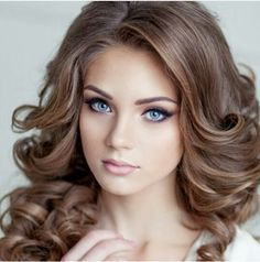 Bridal Hairstyles Inspiration : love long bridal hair and these big loose curls are gorgeous! Long Bridal Hair, Wedding Hair And Makeup, Bridal Makeup, Hair Makeup, Wedding Beauty, Eye Makeup, Big Loose Curls, Long Curls, Elegant Makeup