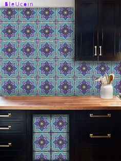INDIAN DIAMOND STYLE IN SEA BLUE & VIOLET  Blue pottery is a famous handicraft in India & a well known trend for interior design. Our tile decals are