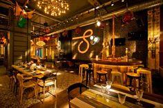 idées pour votre salon inspirées par un bar resto en Roumanie