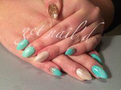 Almond nails, Glitter nails, Stilleto nails, Mint green nails, Kelowna nails, gel nails, kelowna, chevron nails, gold nails