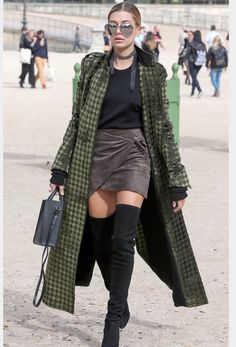 Thighs the limit for Hailey Baldwin and her famous street style ^^^