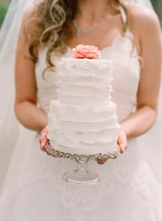 Darling Small Wedding Cake... this size tiered cake for us, but maybe a little shorter?